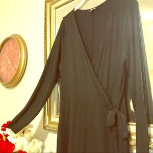✨LIKE NEW✨ Express Black Long Sleeved Dress